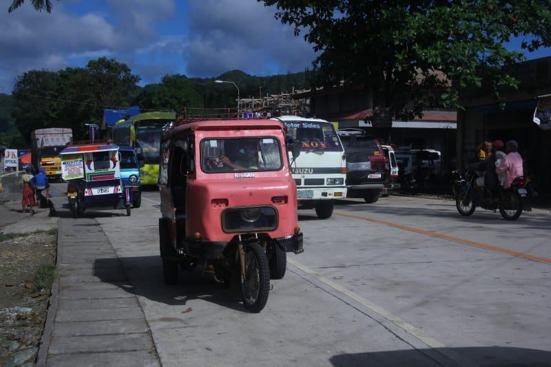 bohol-colorfultricycle-e1446161052626-9928205