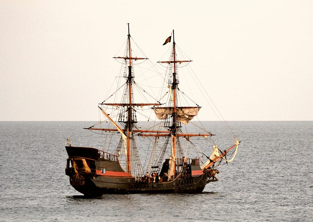 5 Things We Learnt Using Dave McClure's Pirate Metrics at Piktochart