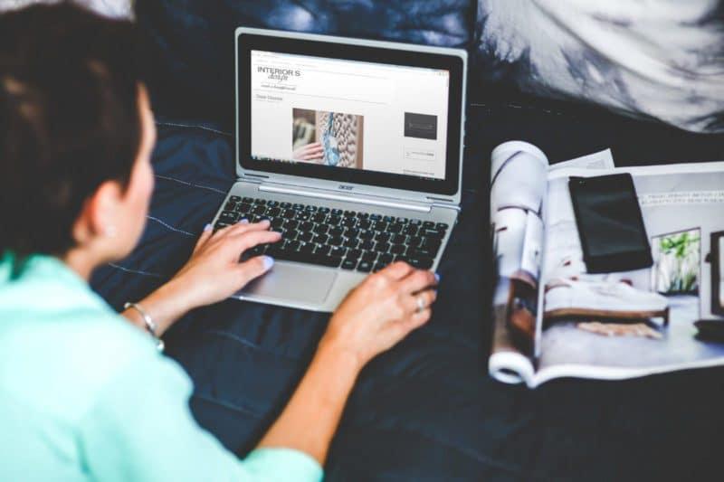 mujer-escribiendo-blog-800x533-3052279