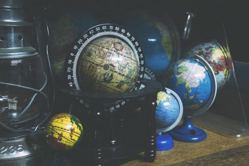 globes-school-lantern-learn-1-e1472849972538-2698556