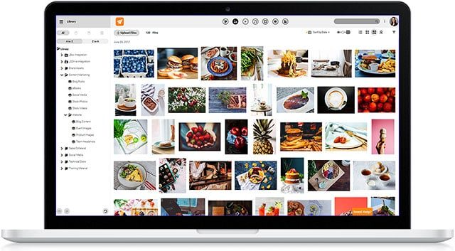 macbook-flight-organize-7066403