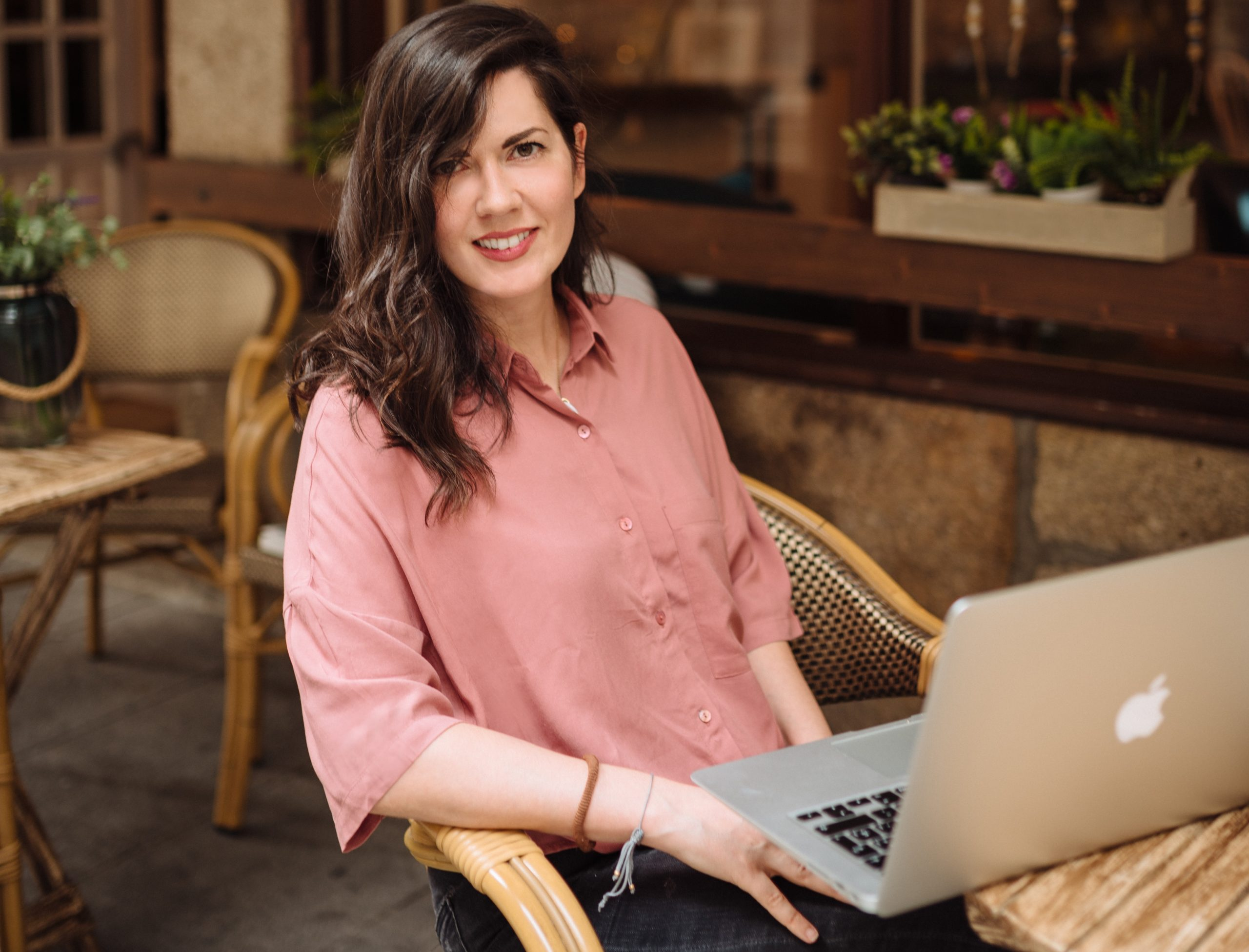 Julia Gomez Working